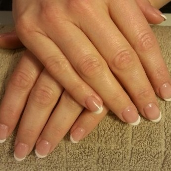 French manicure (1).jpg