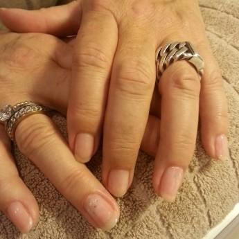 Manicure pink met dazzlings.jpg
