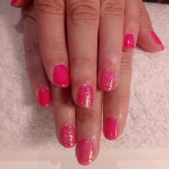 Barbie pink met roze glitter.jpg