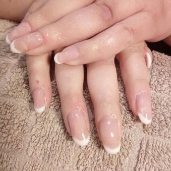 Gelnagels french manicure.jpg