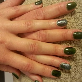 Green met glitter topcoat.jpg