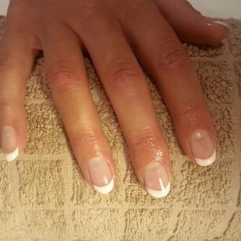 French manicure met soak off gel.jpg